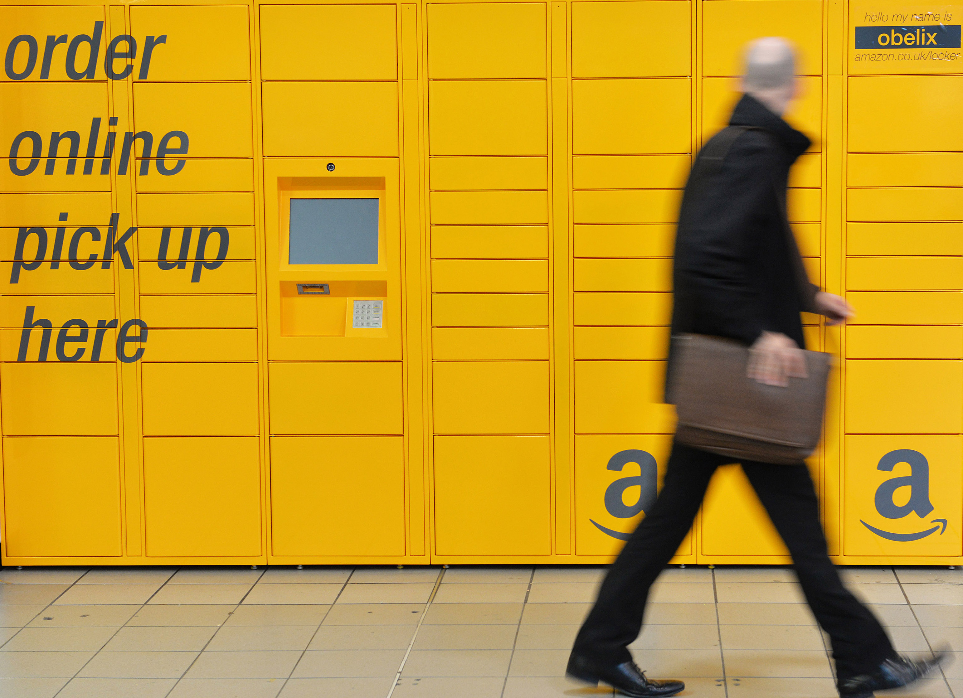 Amazon Locker: Airport pick-up of online luxury purchases
